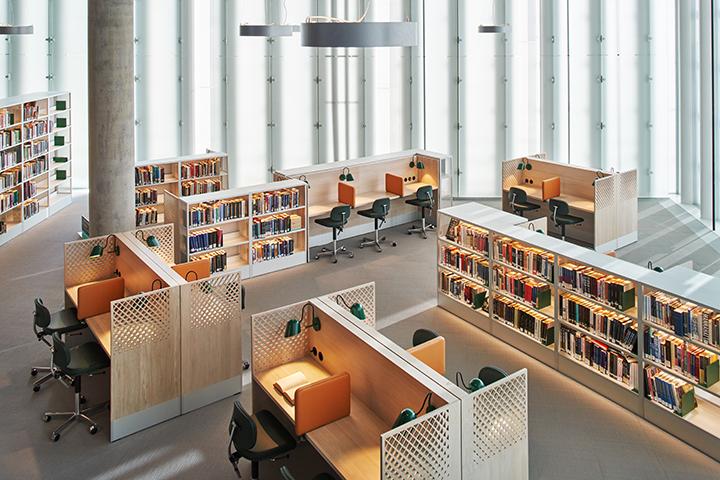 Indoor_architechtural_lighting_in_Oslo_library